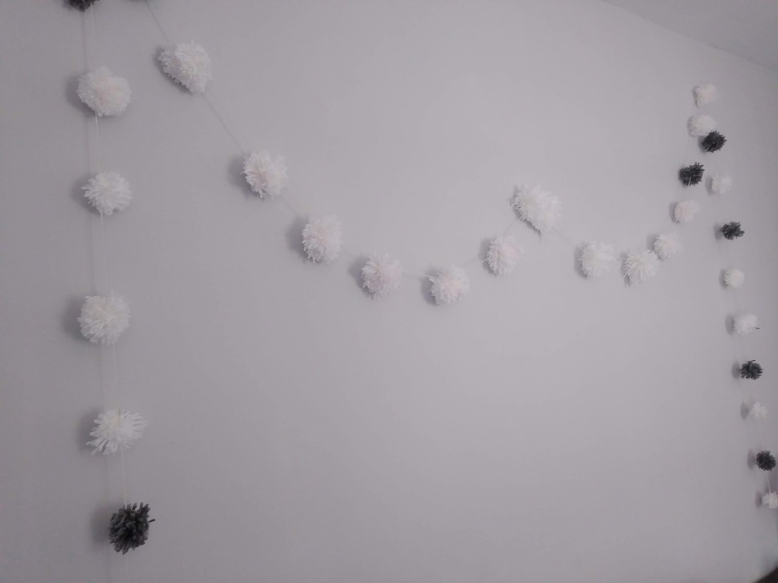 Make your own Pom Pom Garland