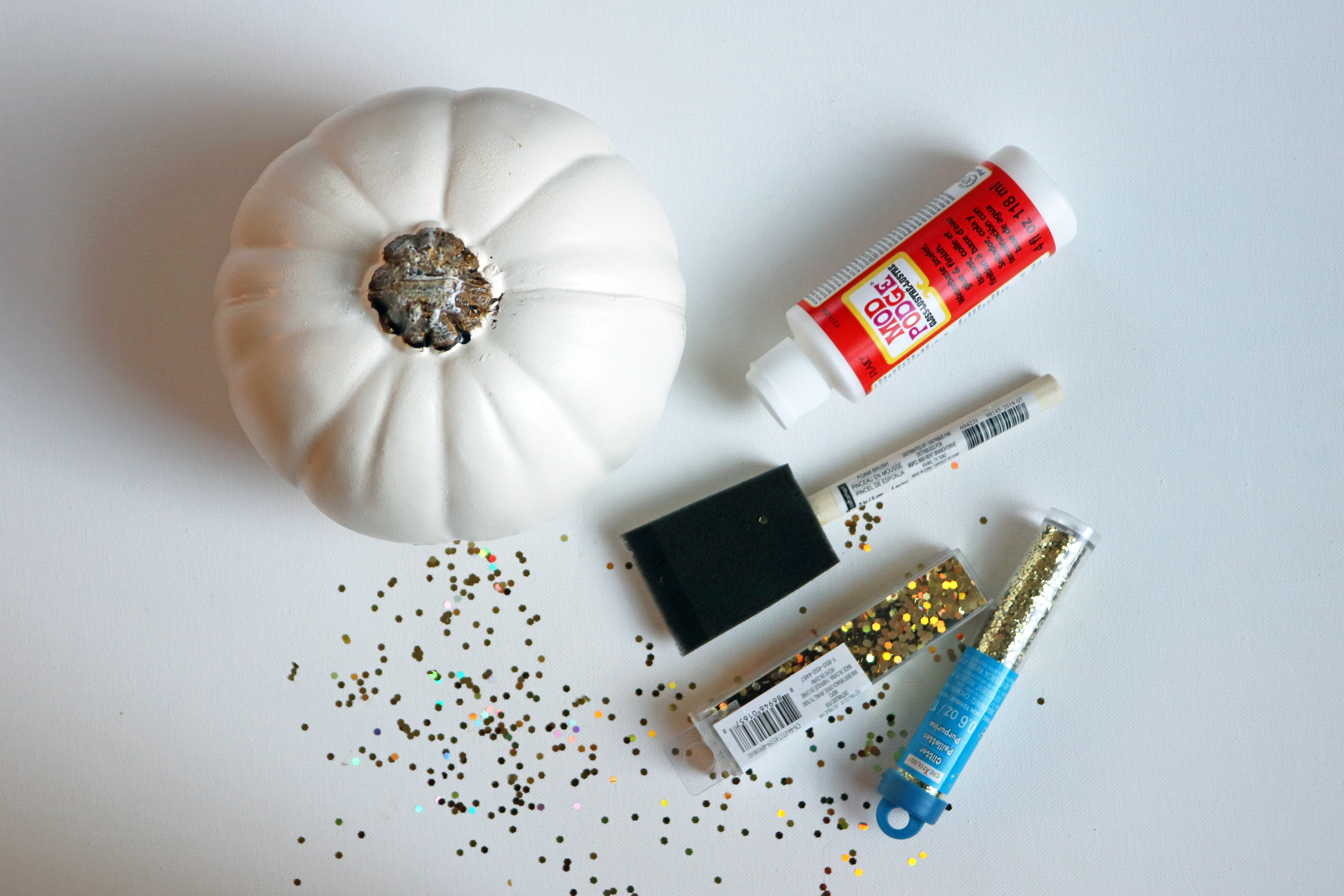 Glitter Pumpkin Toddler Craft Tutorial